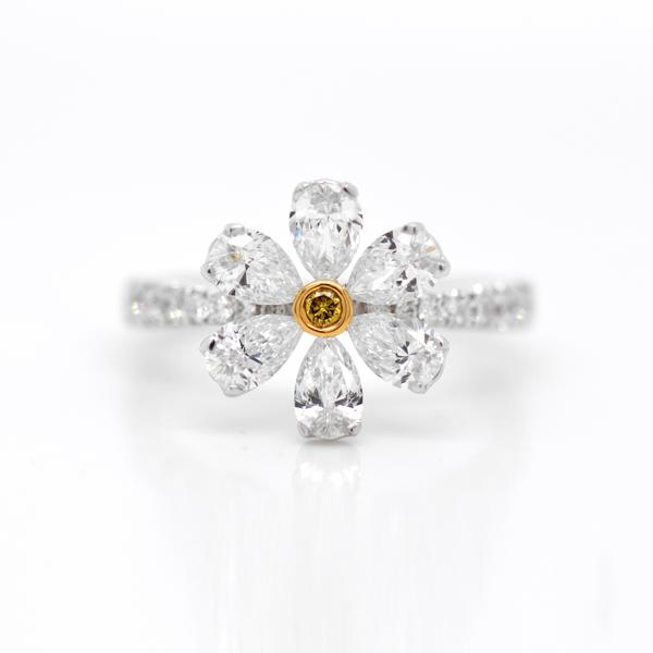 18k White And Yellow Gold Flower Diamond Ring Flower Diamond Ring Diamond Pear Shaped Diamond