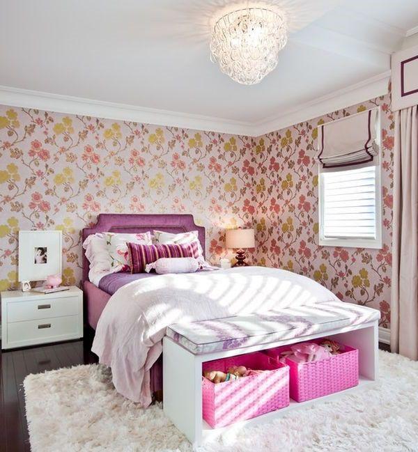 Schicke Mädchen Schlafzimmer in Rosa mit einer schönen Sitzbank ...