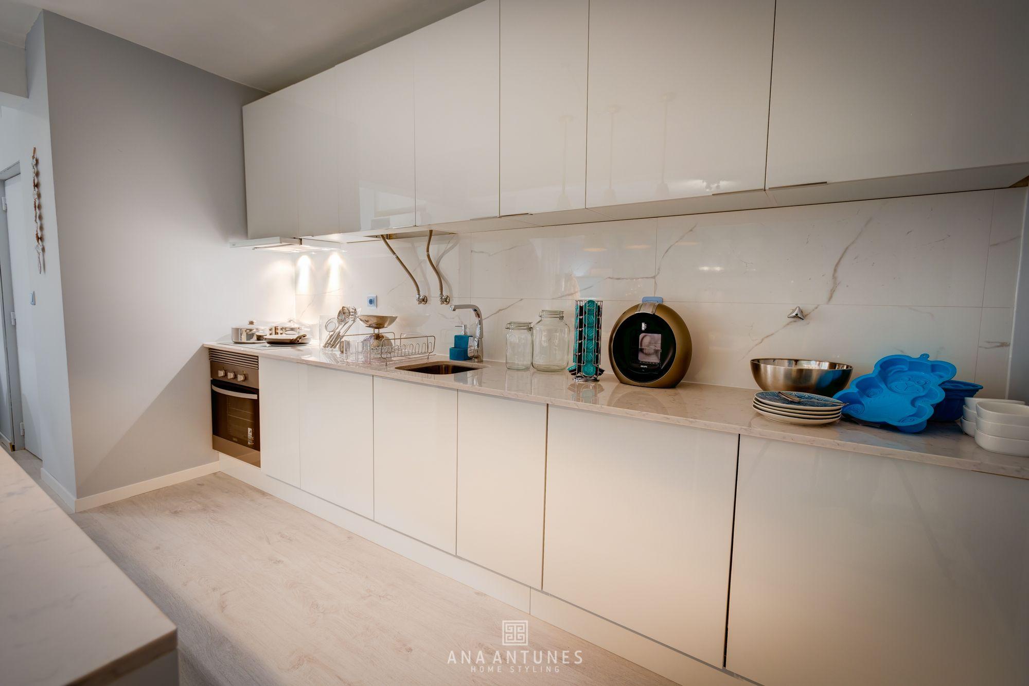 Ana Antunes   Cozinha   Kitchen   Blue   White Cabinets   Modern    Contemporary   Part 96