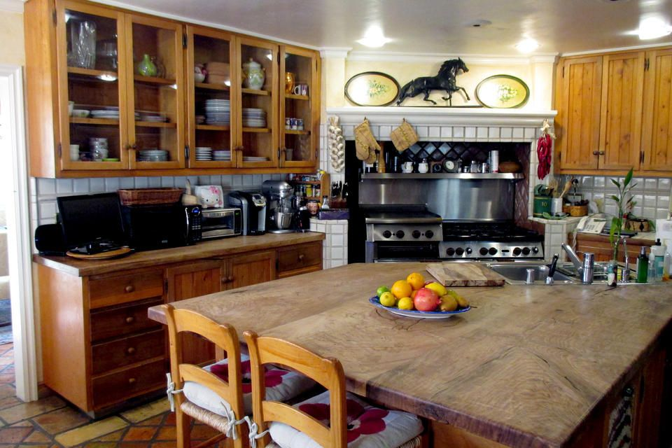 Tour Lisa Rinna S Home And Closet Kitchen Remodel New