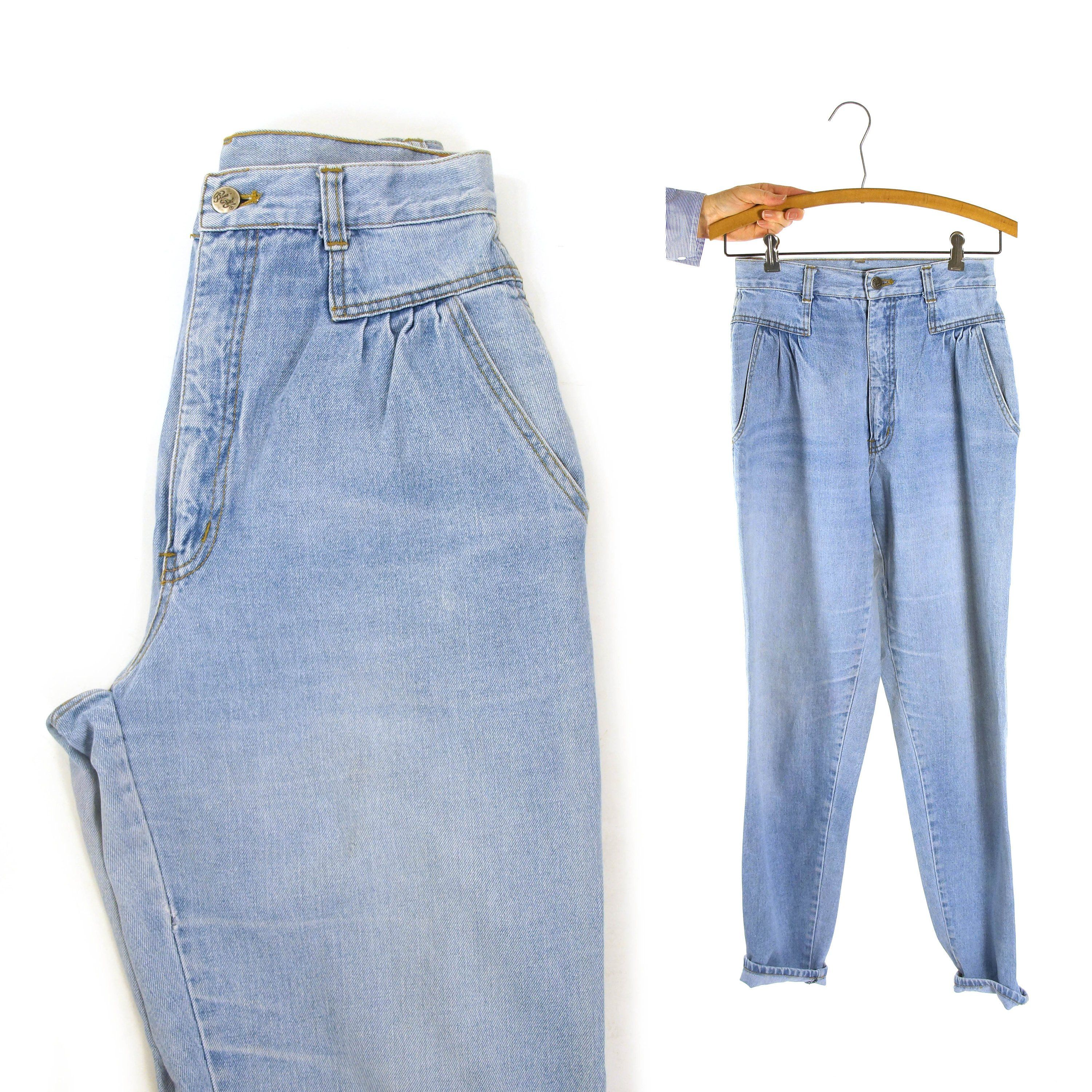 100/% Cotton Vintage 80s Women/'s Acid Wash Pleated Denim Shorts High Waisted Super Cute Pockets. Comfortable Waist 27 With Cuff