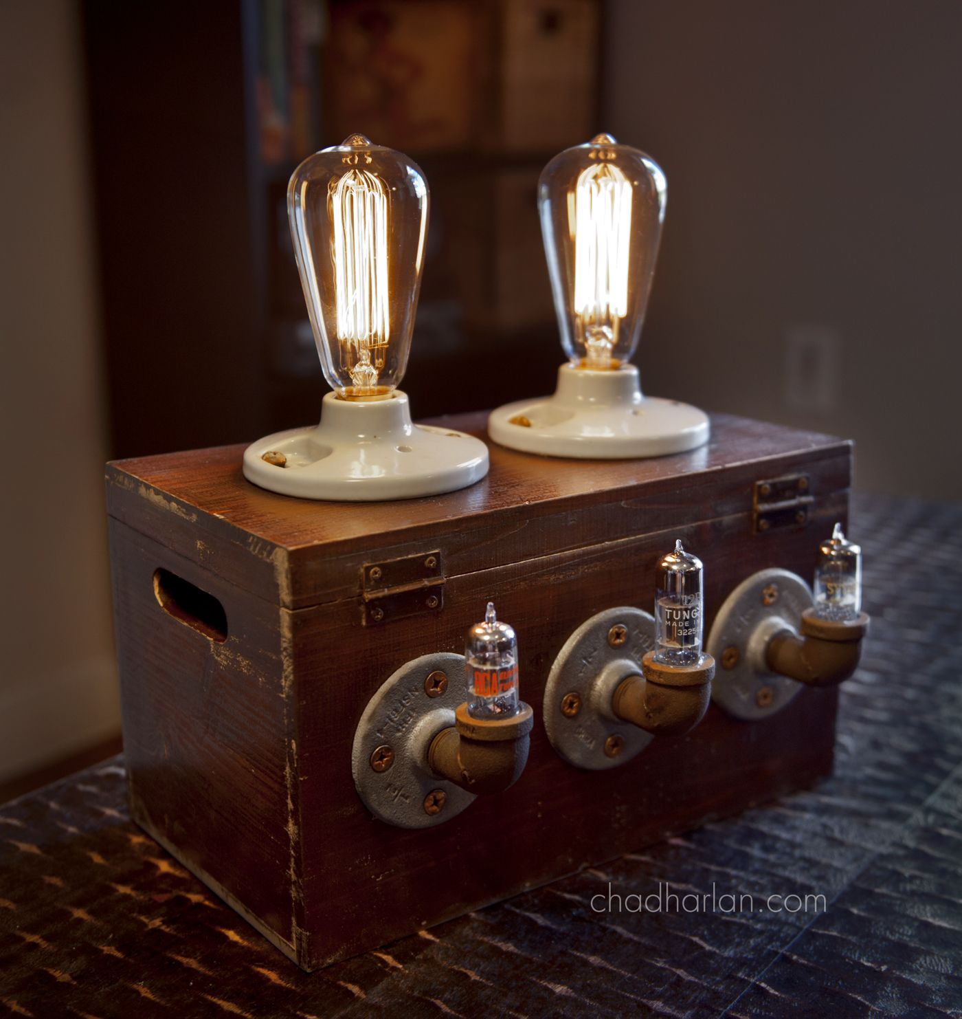 Industrial retro steam punk machine age edison lamp for Industrial pipe light socket