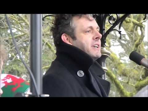 The Passion of @MichaelSheen would win the election @Manics style | thezine3