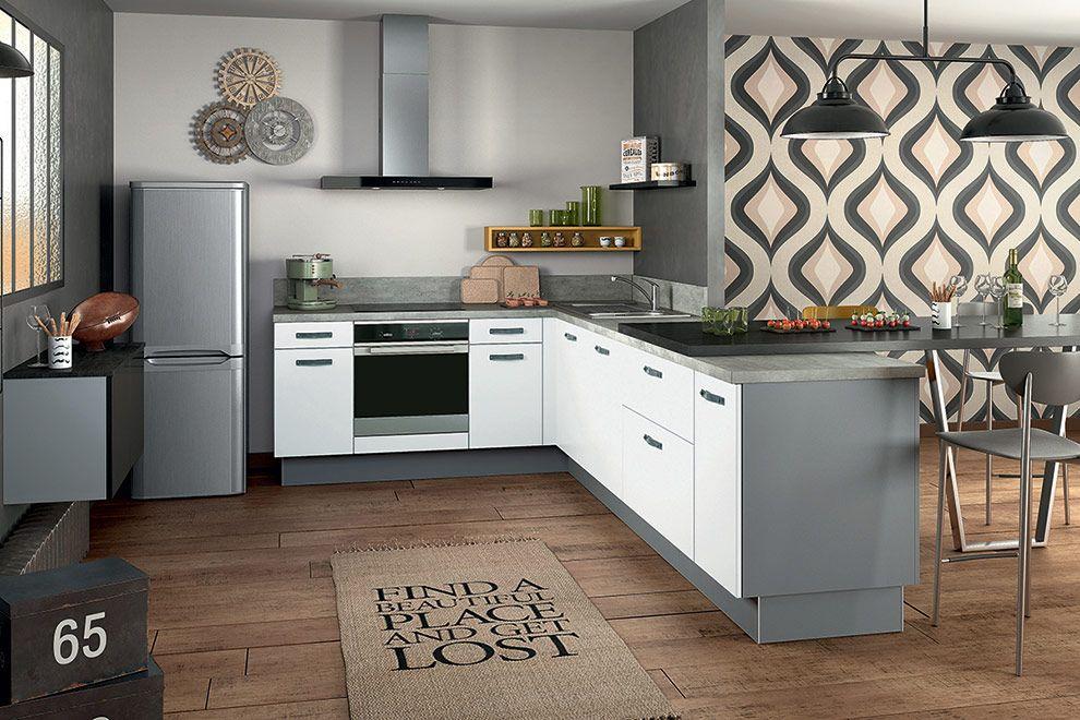Une cuisine équipée petit budget, parfaitement intégrée au séjour ...