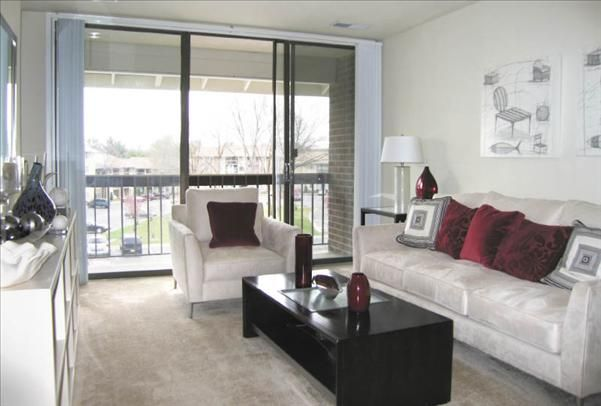 Great Floor To Ceiling Windows And Screen Doors Available In Your Living Room At Chesapeake Glen Apart Floor To Ceiling Windows Apartment Communities Apartment