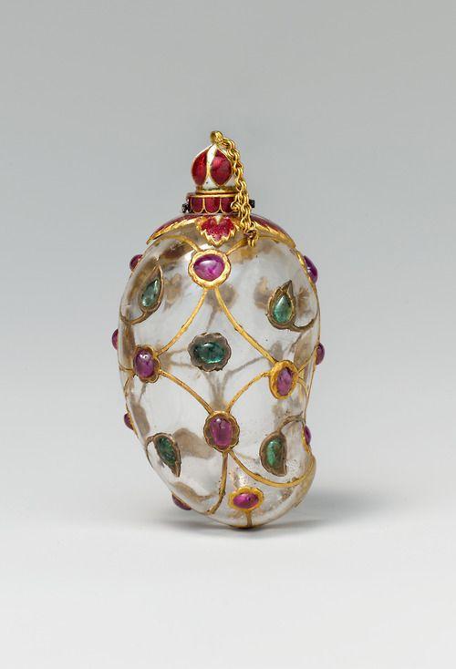 Mango en forma de roca frasco de cristal, hecho en la India a mediados del siglo 17 (fuente).