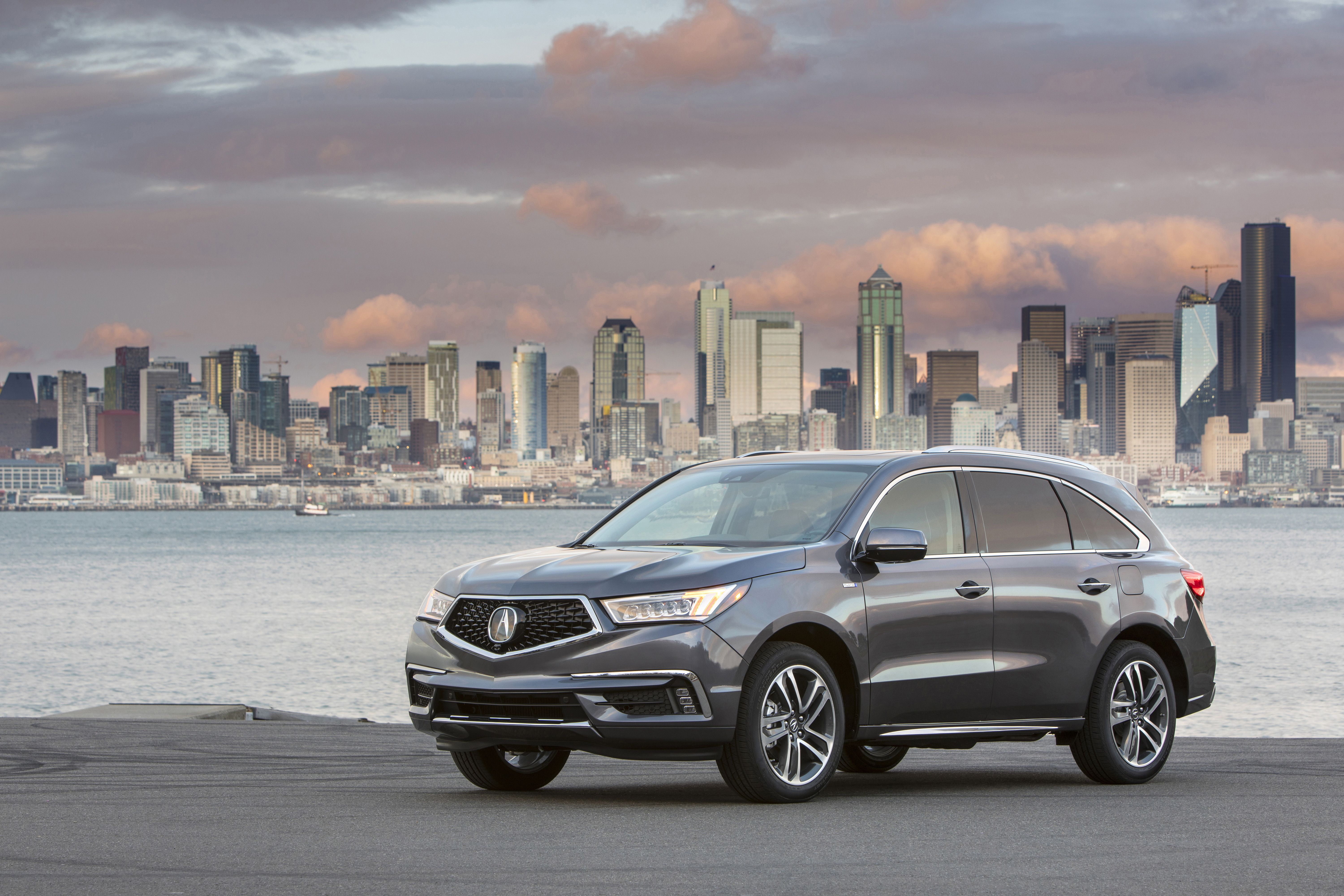 Acura Rlx And Mdx Named Among 25 Safest Luxury Cars Of 2019 Cheap Sports Cars Luxury Cars Sports Cars Luxury