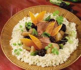 Pot-au-feu aux accents africains. Une combinaison impressionnante de patates douces, de piments et de pruneaux.