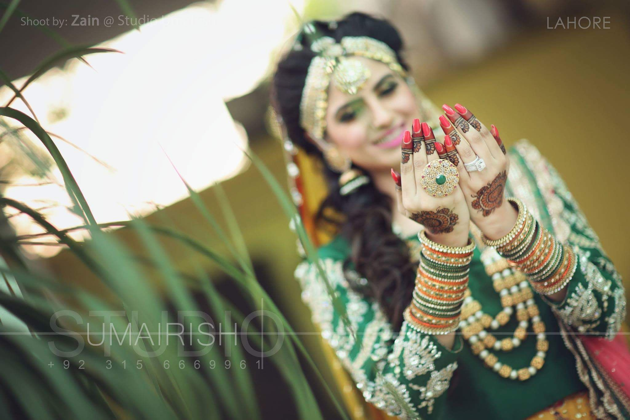 Mehndi Bridal Photoshoot : Photography by umairish studio hands decorated with mehndi