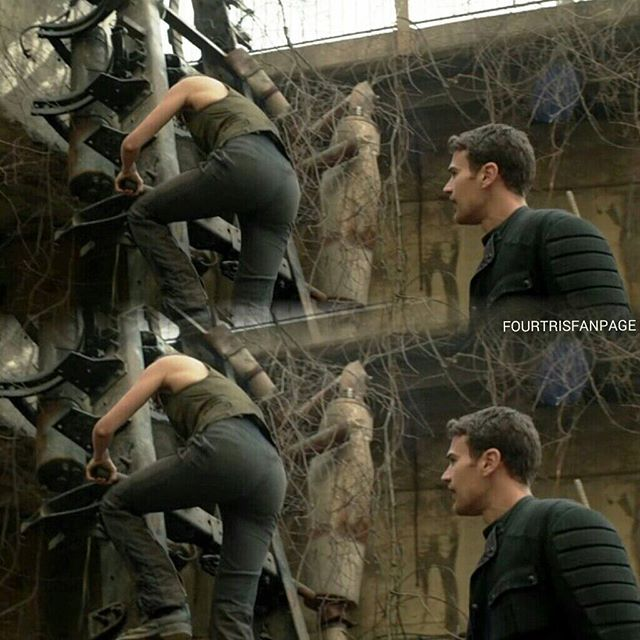 I'm wounding if she knows that he is staring at her butt? She probably does Brandilyn #fourtris!
