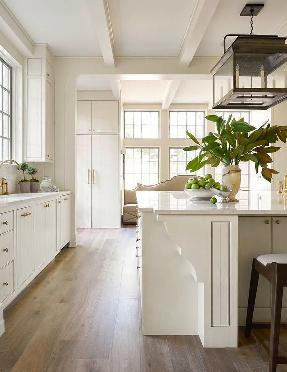 Modern farmhouse kitchen | Off white kitchens, Home ...