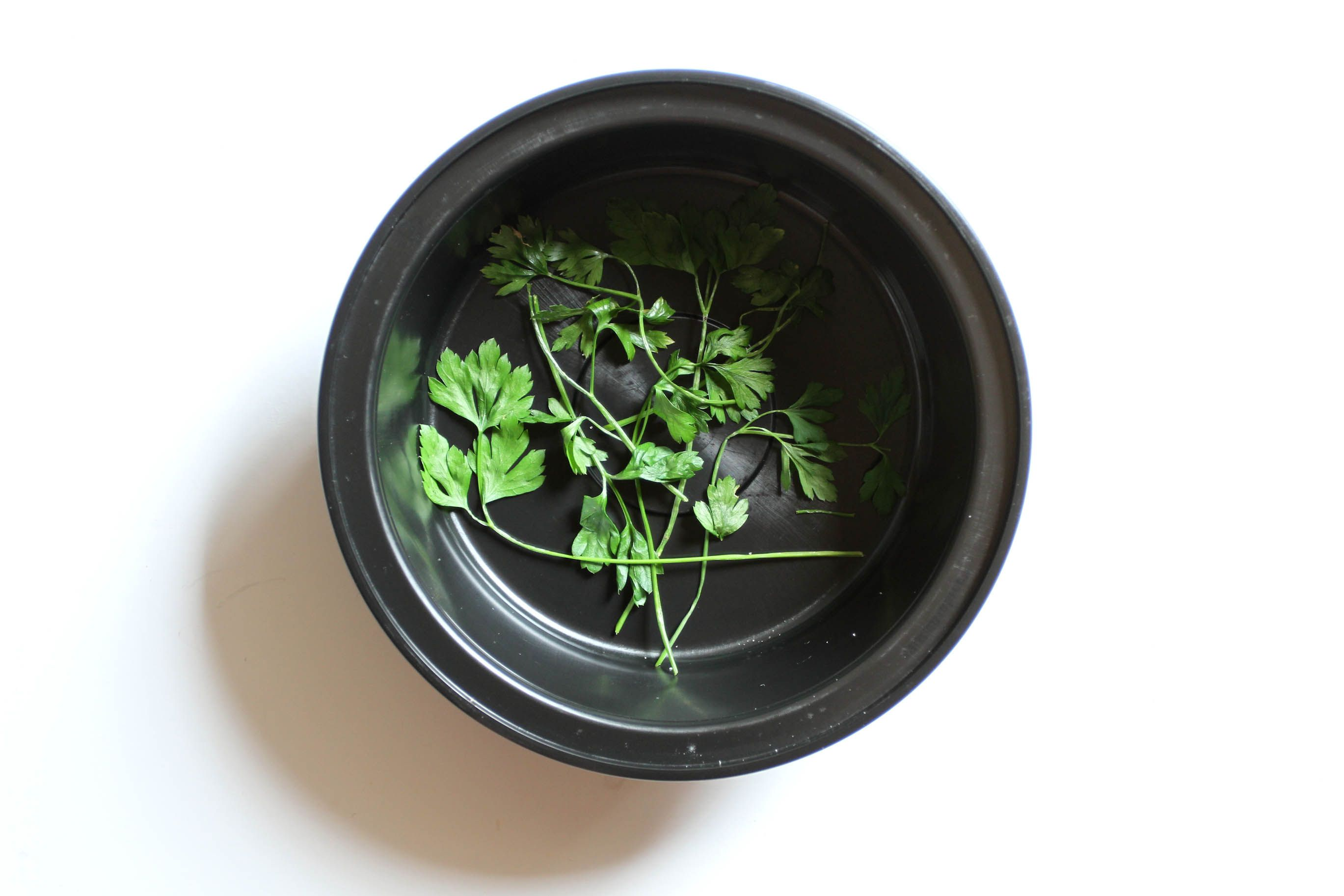 How to Dry Herbs in the Microwave via www.wikiHow.com