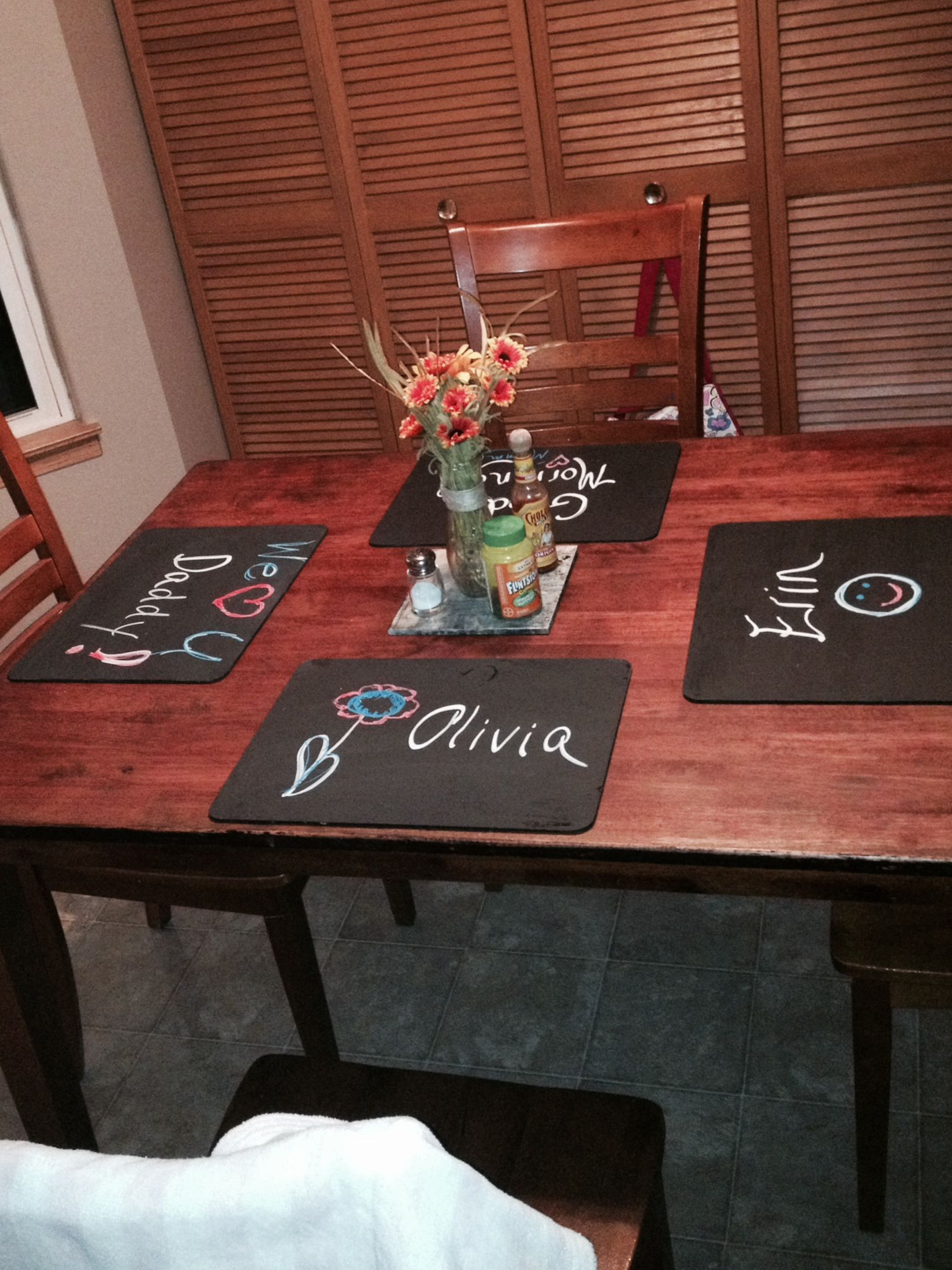 Pin By Lorna Forsyth On My Projects Crafts All Ideas That I Have Taken From Pinterest And Made My Own No Real Instructions Included Coffee Table Pallet Coffee Table Chalkboard Paint