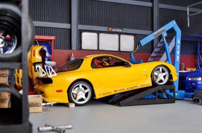 These 1 24 Car Garage Dioramas Are So Lifelike I Want To Be Shrunk Garage Diorama Jdm Cars Plastic Model Kits