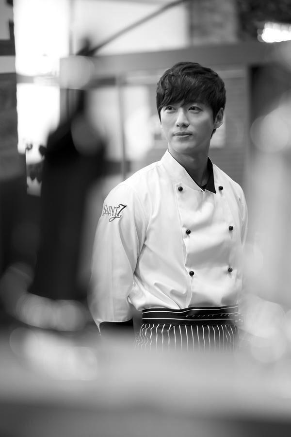 Anh đầu bếp khi không giết người thì đúng là nam thần #TheGirlWhoSeesSmell #NamGoongMin