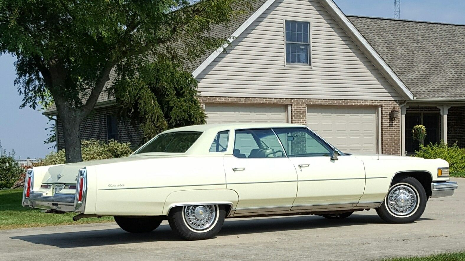 Wedding decorations yellow and white november 2018 Cool Awesome  Cadillac DeVille  Cadillac Sedan de Ville