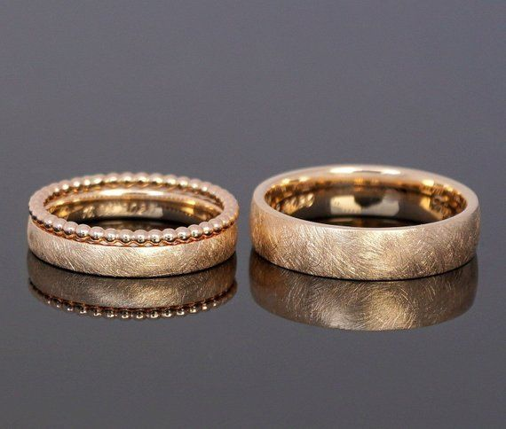 Photo of Wedding ring FROZEN GOLD SET ball ring