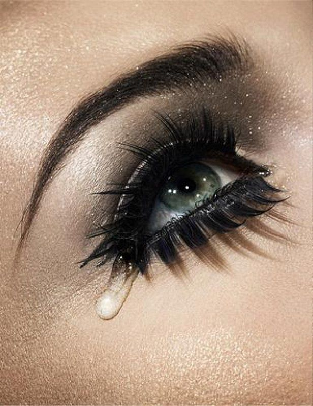 Bold And Dramatic Black Eye Makeup With False Lashes Both Top And