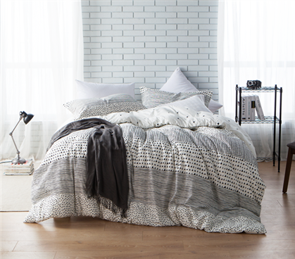 Black And White Geometric Shapes Dorm Comforter Twin Xl Dorm Essentials Dorm Comforters Dorm Bedding Sets Dorm Room Comforters
