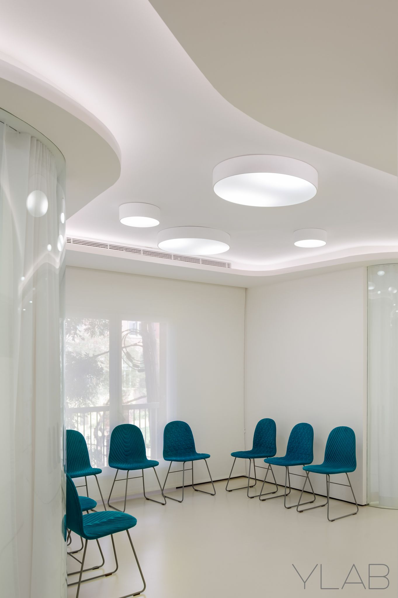 Dental clinic vallès vallès by ylab arquitectos barcelona