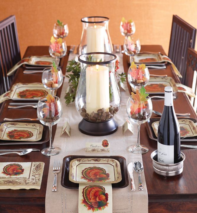 Thanksgiving plates and napkins | Thanksgiving tablescapes ...