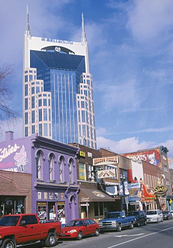 #14 Nashville, TN | Key Stats: Hotels 352; Total Sleeping Rooms 19,253; Largest Exhibit Space 118,675 Sq. Ft.