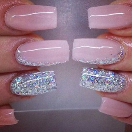 Ongle Rose Et Gris Avec Paillette Ongles Rose Ongles Idee Ongles