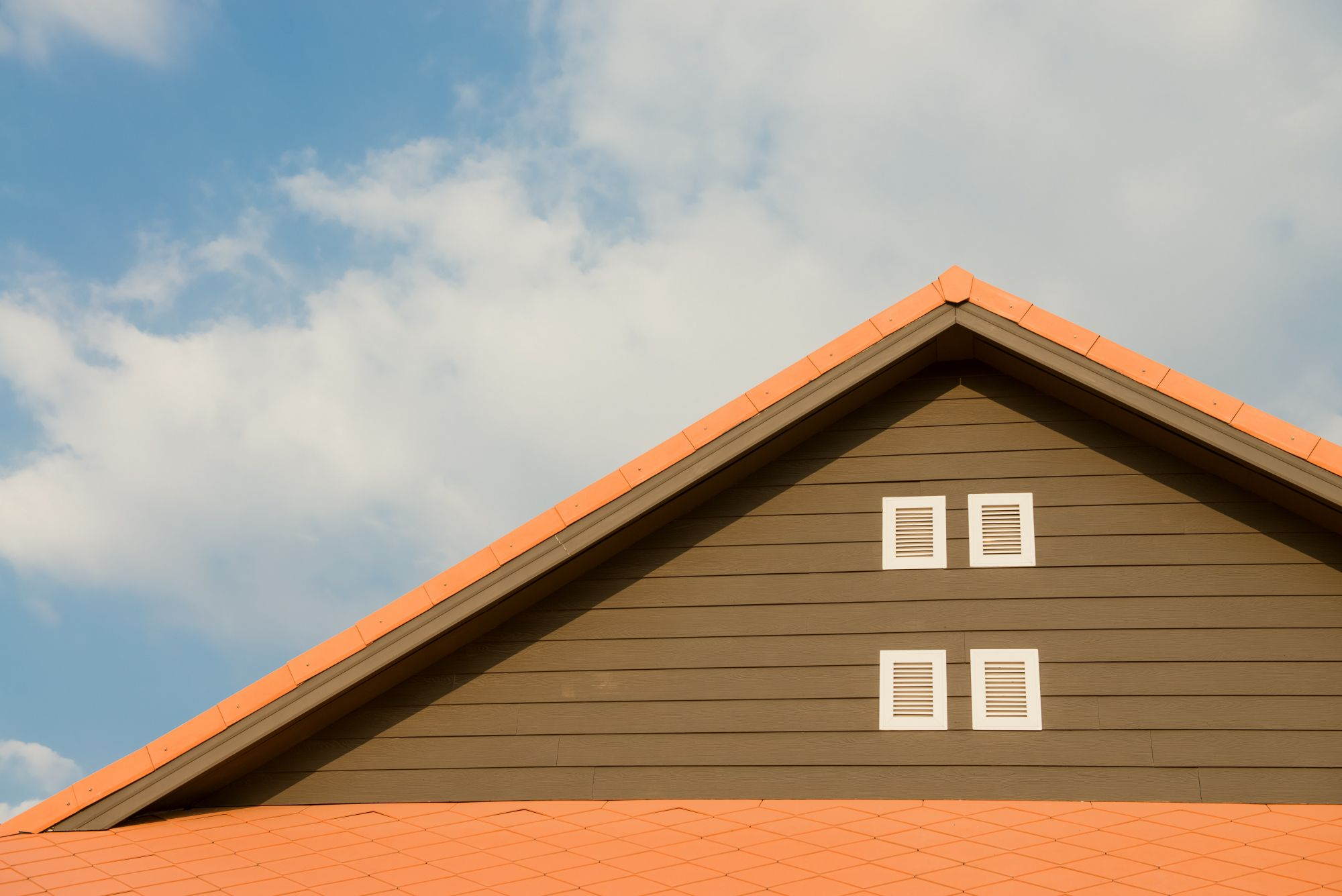 P When The Exterior Of Your Roof Is Starting To Look Worn And Weathered You Need To Bring In The Experts From Som Roof Restoration Roofing Roofing Contractors