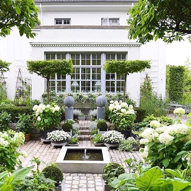 Formal Front Garden: Gorgeous Garden With Container Plantings At Various