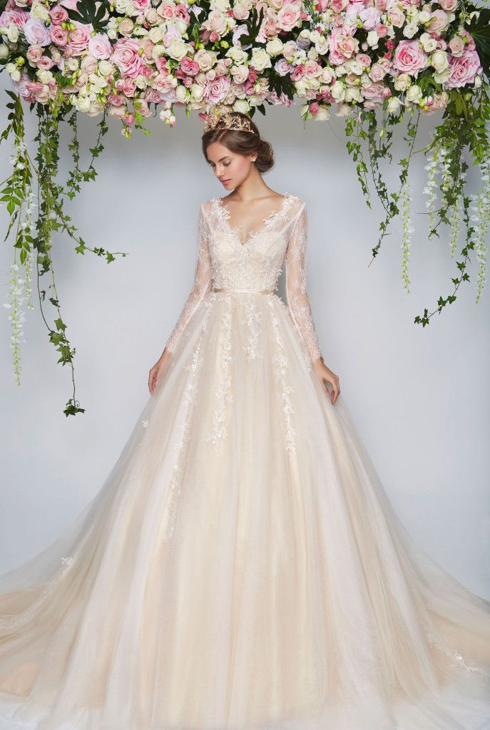 Blooming romantic pretty in floral floral wedding dresses for Pretty ball gown wedding dresses