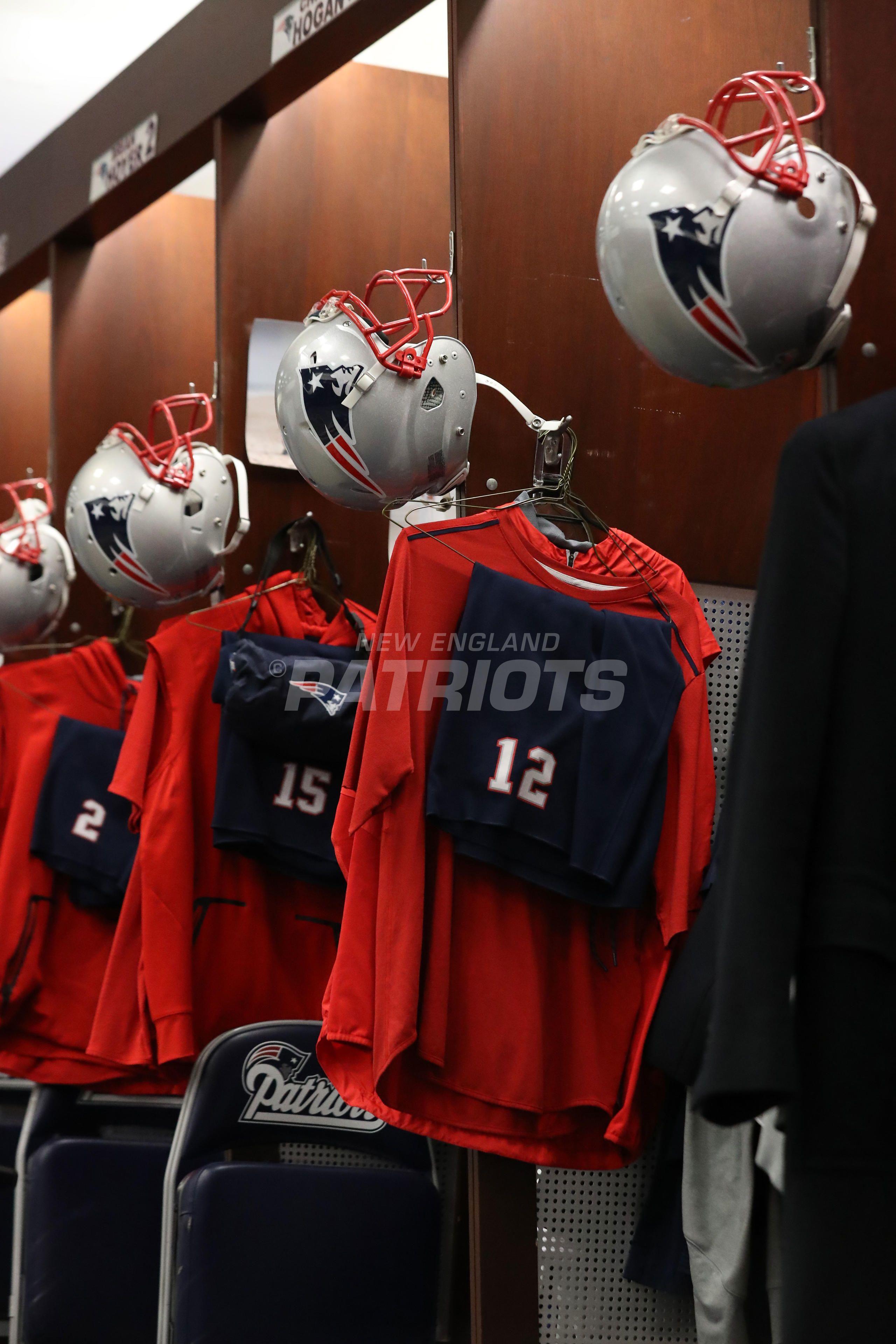 Pregame Inside The Patriots Locker Room And Player Arrivals 1 13 Patriots Locker Room Lockers