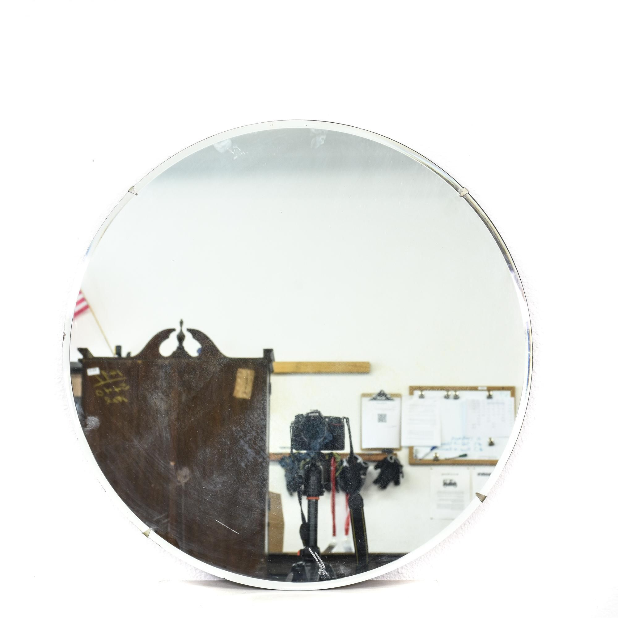 This Round Mirror Is Featured In A Durable Gl With Shiny Reflective Finish