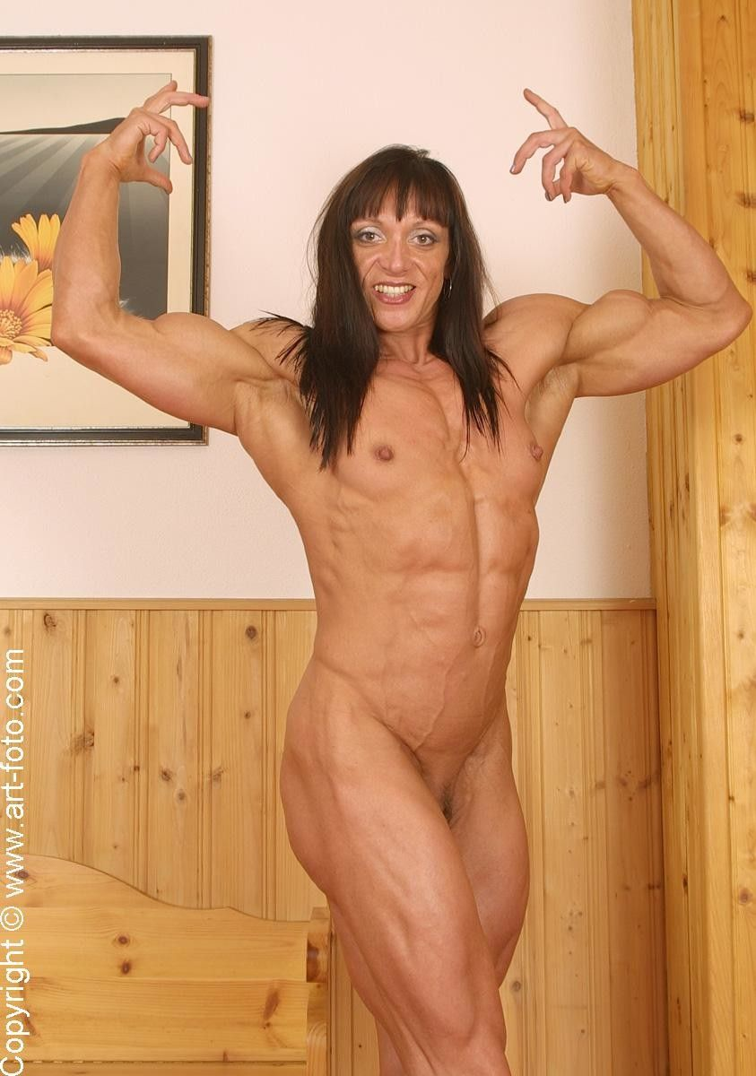 naked female fitness girls
