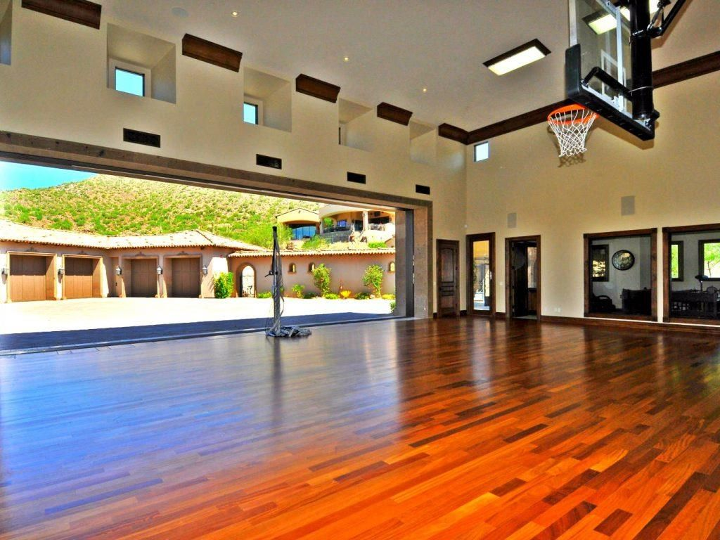 How To Set Up Your Own Houses With Indoor Basketball Court Home Basketball Court House Indoor Basketball Court