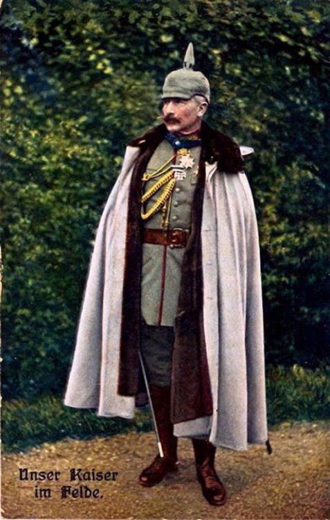 guns gas trenches kaiser wilhelm ii in his rather splendid cape he really liked to dress the. Black Bedroom Furniture Sets. Home Design Ideas