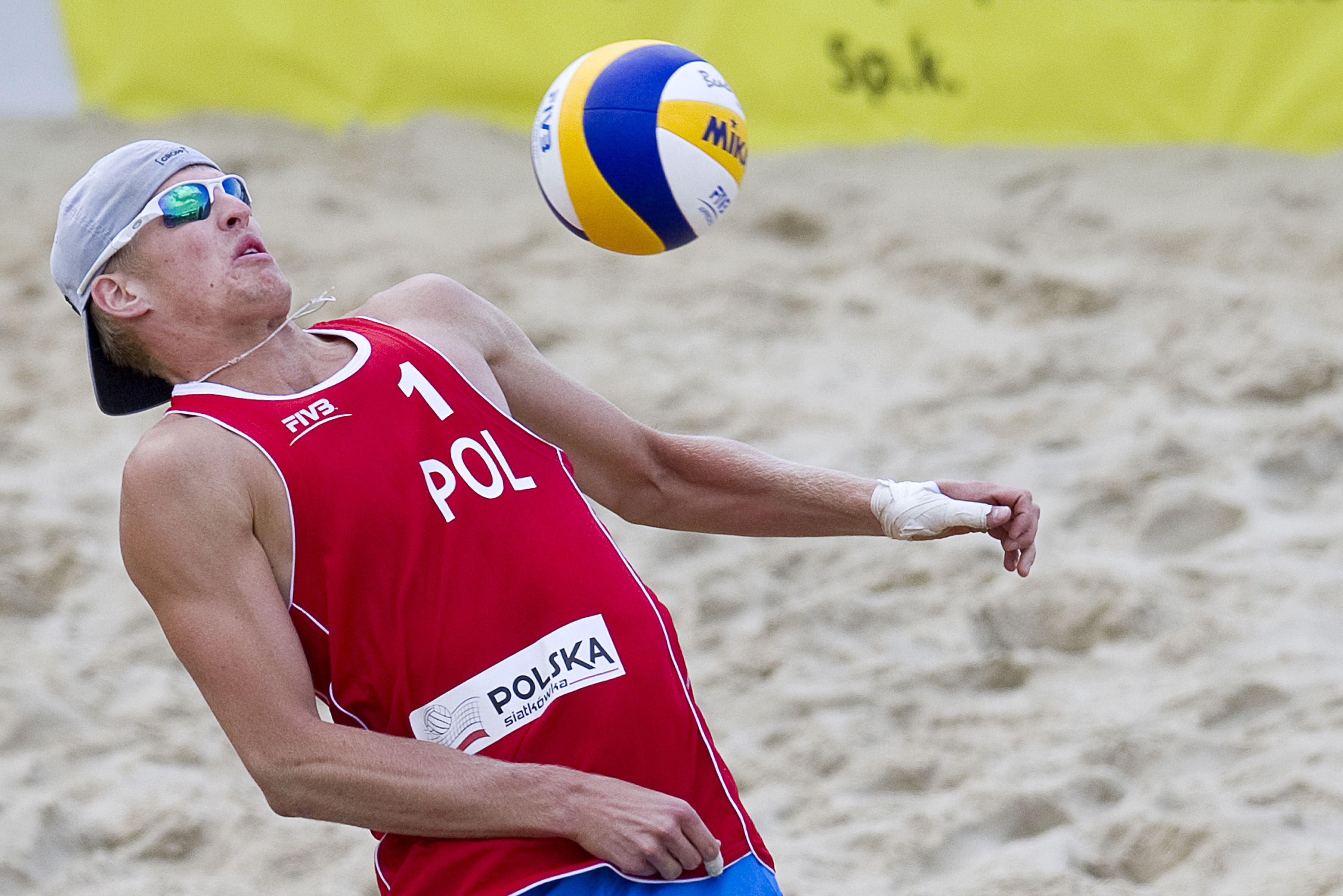 Oooh A Ball Fivb Beach Volleyball Beach Volleyball Volleyball Players
