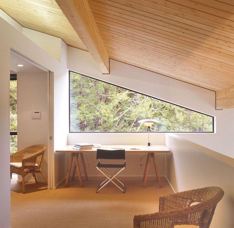 Interior Design Idea – 13 Examples Of Desks In Hallways