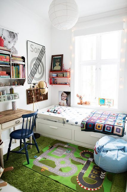 kids room.. i like how they make use of small little space to include a bed and table as well as book shelf. take note for my studyroom