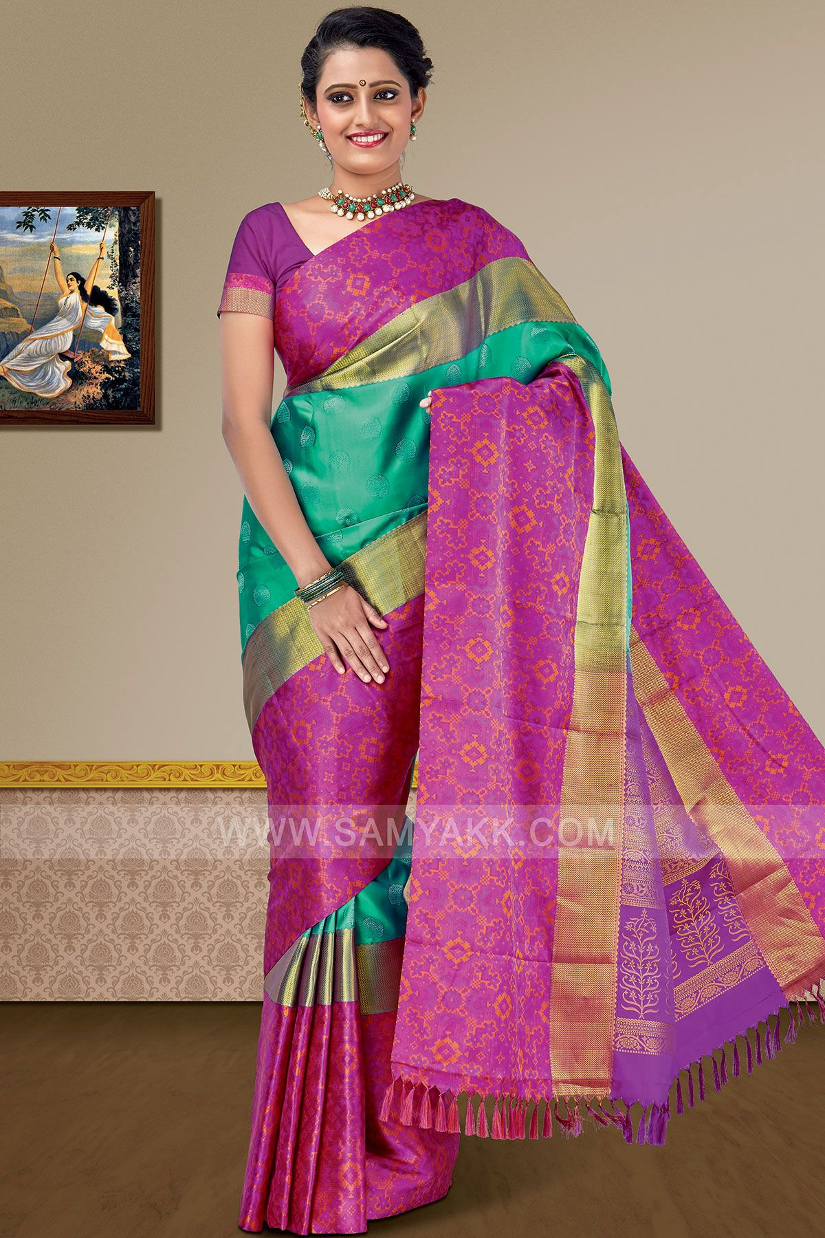 374b84be94b94a Look different with this bold color combo saree. It has got all zari woven  all
