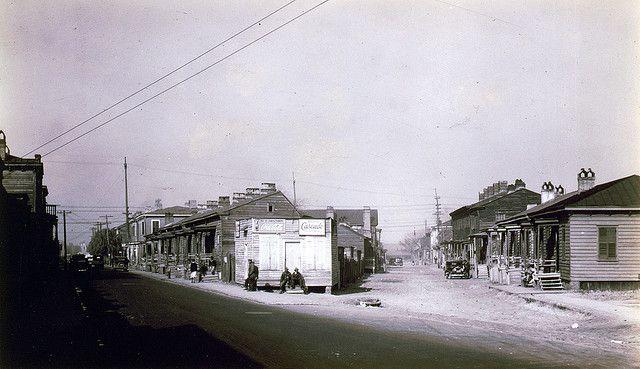 "No Known Restrictions: ""Savannah Negro Quarter"" by Walker Evans, 1935 (LOC) by pingnews.com, via Flickr"