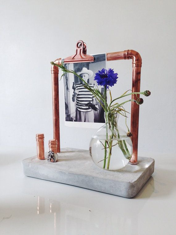 Decorative and organising display stand in copper von sortlondon