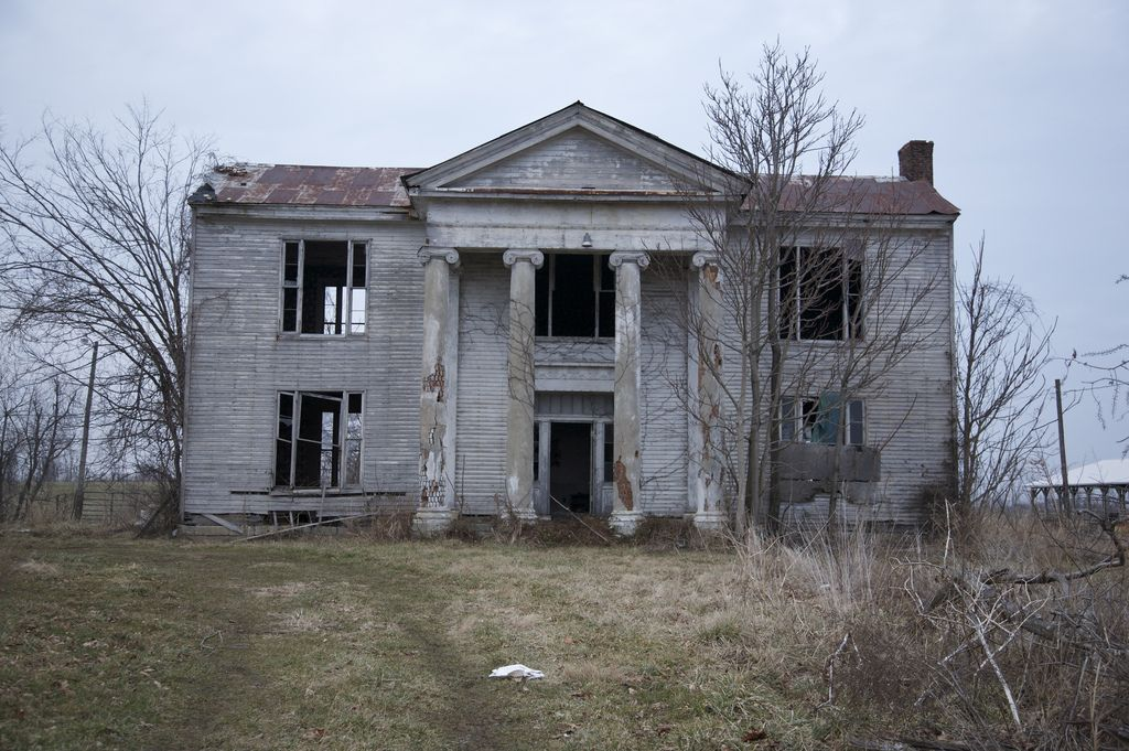 Abandoned mansion near Lexington, KY | Abandoned Mansions | Old