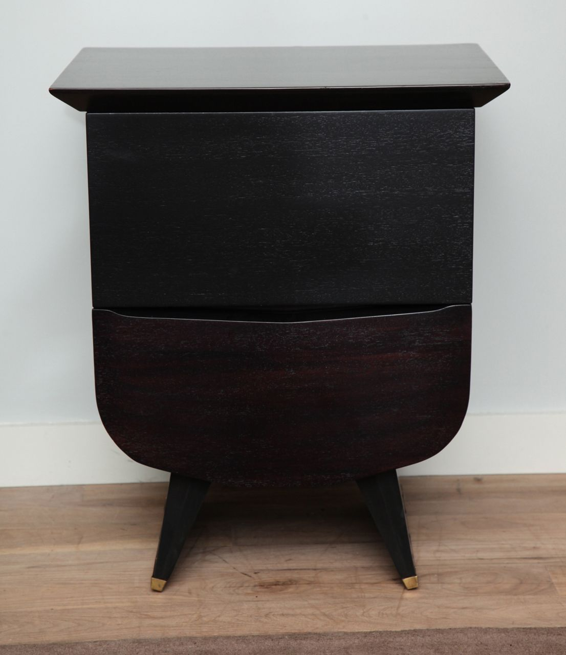 1stdibs Pair Of 1940 S Bedside Tables Vintage Nightstand
