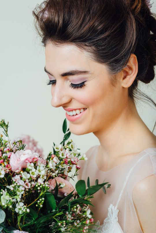 Toronto Makeup Artist Who Brings The Glamour To You On Your Wedding Day Bridal Hair And Makeup Amazing Wedding Makeup Beautiful Wedding Makeup