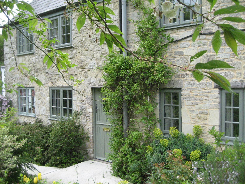 Heritage Green RAL7033 Cement Grey PVCu Windows