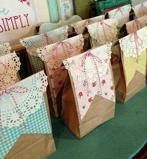 decora sencillas bolsas de papel para regalos de fiesta especiales decorate simple paper bags for special party favors