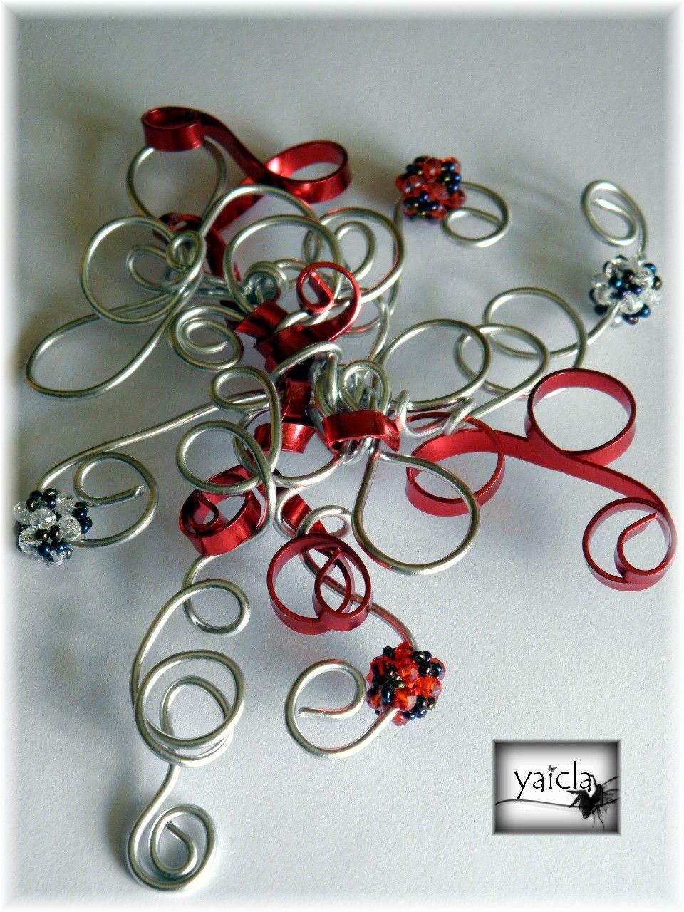 tocado en hilo de aluminio,plata y rojo,con cristales en swarosky blanco y rojo