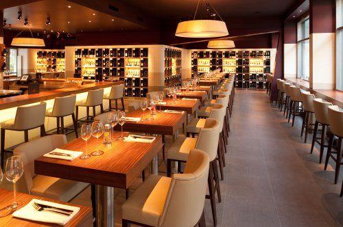 m venpick wein bar z rich wine interiordesign wine wine cheese und cheese shop. Black Bedroom Furniture Sets. Home Design Ideas