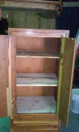 Repurposing Pallet To Make Shelves In Cedar Closet With