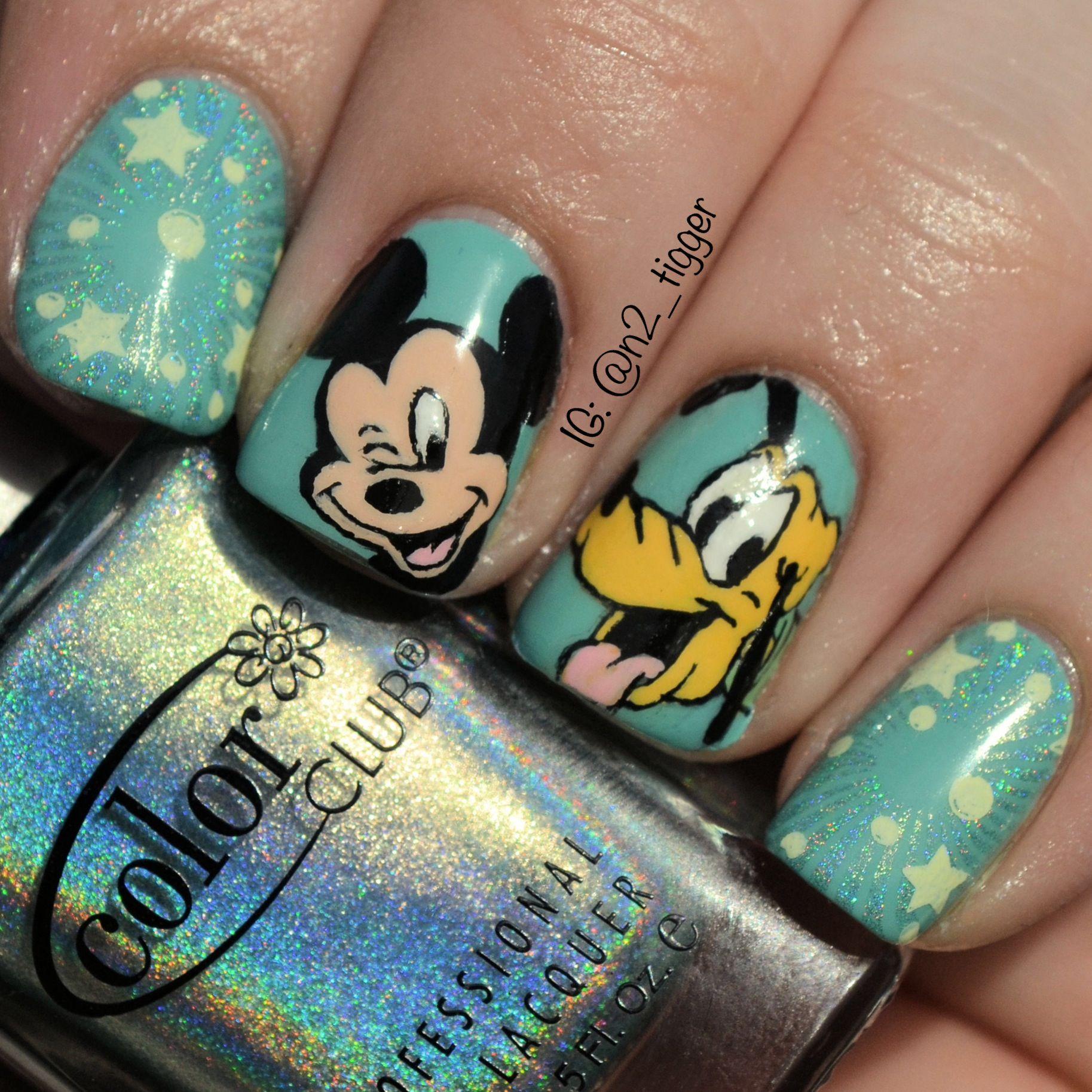 Disney-themed nail art - Mickey Mouse and Pluto | Nail Art ...